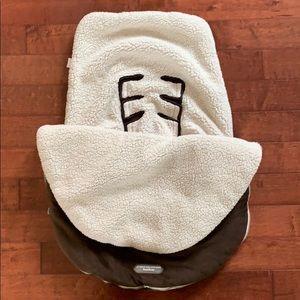 JJ Cole Bundle me baby carrier blanket